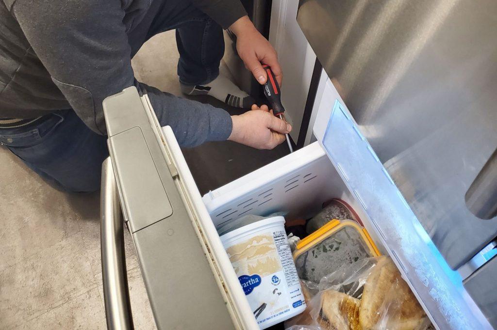 fridge repair brampton